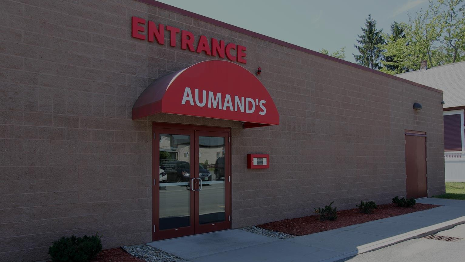 aumands furniture entrance